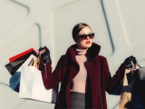 10 Signs You Are Obsessed with Shopping